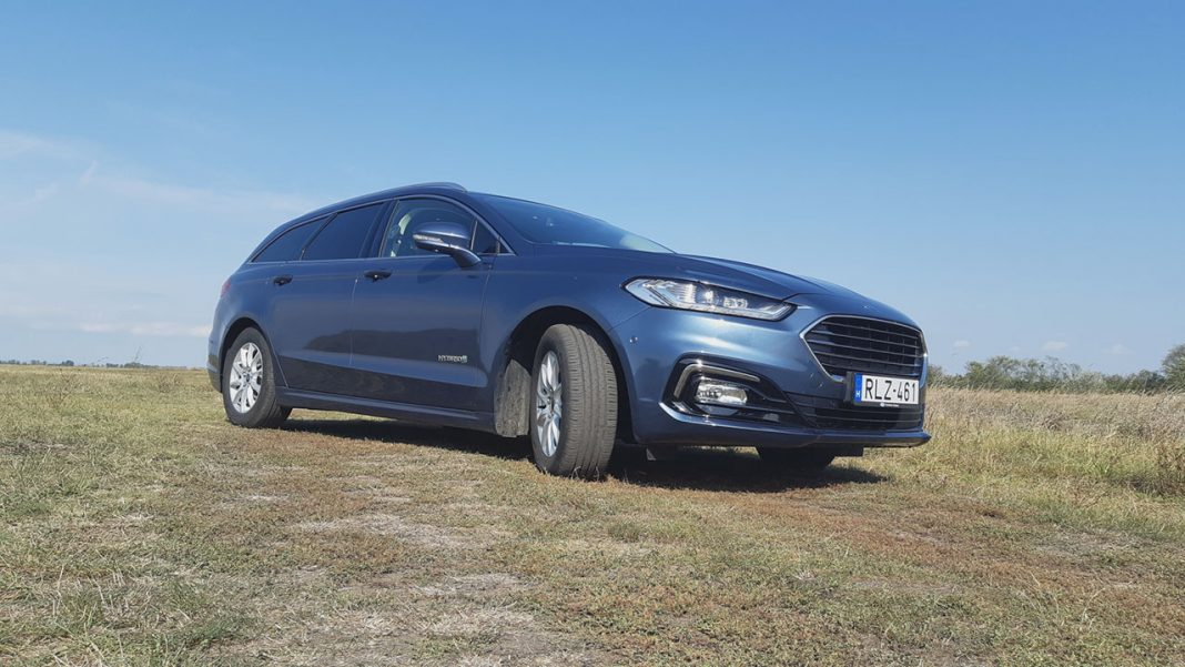 Ford Mondeo Hybrid Kombi Titanium